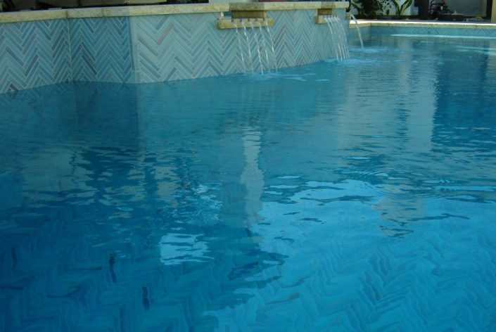 Herringbone Pool in Turquoise Blue (1)